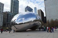 Un arrêt incontournable à Chicago, c'est le célèbre Cloud Gate dit aussi le Bean pour une petite photo et découvrir la ville sous un autre angle.