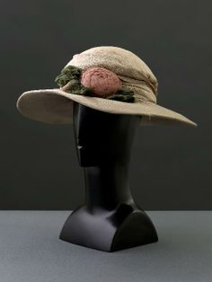 Attributed to Jeanne Lanvin, Hat, 1920