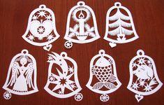 Vianočné zvončeky, Vianočné dekorácie - inšpirácie a nápady. Na dovolenke som sa nefákala (giggle) Sú to vystrihovačky od M. Vránovej. Christmas Paper, Christmas Time, Christmas Crafts, Christmas Decorations, Paper Ornaments, Paper Cards, Have Some Fun, Paper Cutting, Quilling