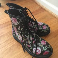 knock off doc martens i think they are target brand, worn once Shoes Combat & Moto Boots