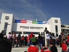 Gran Estadio del Futbol Chileno el club que juega en este estadio es el mas grande del pais Colo Colo