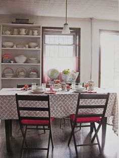 Styling Holly Becker -- Tin Ceiling, Brooklyn NY as seen in Holly Becker's Decorate Dining Rooms, Kitchen Dining, Tin Ceilings, Brooklyn Style, Interior Decorating, Interior Design, Living Styles, House Decorations, Island Life
