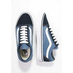 Pedir Vans OLD SKOOL - Zapatillas skate - navy por € en Zalando. Women's Shoes, Vans Shoes Women, Navy Shoes, Sock Shoes, Cute Shoes, Me Too Shoes, Vans Old Skool Navy, Vans Old Skool Trainers, Vans Classic Old Skool