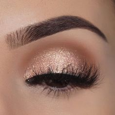 Wunderschöner Goldaugen-Make-up-Look mit peitschenden Wimpern Beste Braut Make-up Looks Beautiful Gold Eye Makeup Look with Whipping Eyelashes Best Bridal Makeup Looks – up Makeup Goals, Makeup Inspo, Makeup Inspiration, Makeup Ideas, Makeup Tutorials, Makeup Tips, Eyeshadow Tutorials, Makeup Products, Eyeshadow Ideas