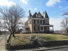 c. 1900 - Cynthiana, KY - $450,000 - Old House Dreams
