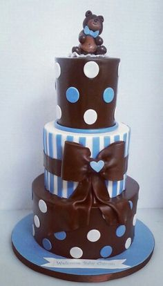Blue and brown teddy bear cake