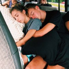 120 Cute And Goofy Relationship Goals For You And Your Soul Mate - Page 65 of 120 - Couple Goals Cute Couples Photos, Cute Couple Pictures, Cute Couples Goals, Couple Pics, Romantic Pictures, Couple Things, Cute Couple Stories, Goofy Couples, Baseball Couples