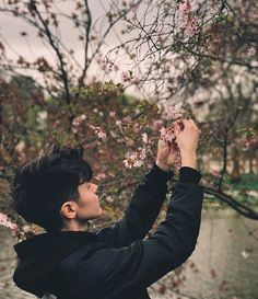 Look around, everything is awesome Kristian Kostov, First Love, My Love, Everything Is Awesome, Secret Love, Red Queen, Character Inspiration, Singer, Couple Photos