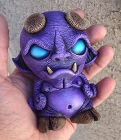 "DaveMarkArt's ""My Mask Is My Shield"" custom mounted Mini Munny for Unmasked exhibition! Clay Monsters, Little Monsters, Toy Art, Vinyl Toys, Vinyl Art, Arte Robot, Robot Art, Bizarre, Arte Horror"