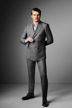 Mr Pedro Pascal's Big Moment | The Look | The Journal | Issue 336 | 06 September 2017 | MR PORTER