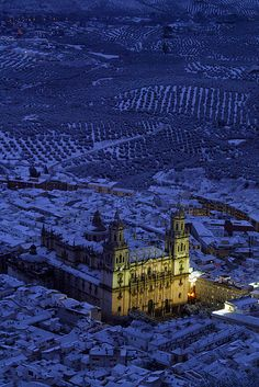 Jaén Cathedral -Andalusia - Spain (von Catedrales e Iglesias) Wonderful Places, Beautiful Places, Amazing Places, Places To Travel, Places To See, Andalucia Spain, Spain And Portugal, Place Of Worship, Beautiful Buildings