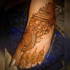 #mehndidesign #wedmegood #weddingsutra #destinationwedding #indianwedding #mehndilove #mumbaimehndi #mehndipro #instaindia #Indianart #kamaljeetsmehendi #marvelous_mehendi #punjabiwedding #punjabibride #floral #hennalookbook #designerhenna #henne #hennaart #hennatattoo #instahenna #mehndi2016 #hennainspiration #indianstreetfashion #kamaljeet #indianstreetfashionbrides #feethenna #feethennadesign #simpledesign #simplefeetdesign