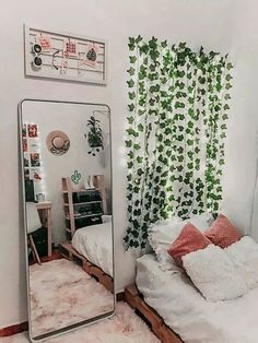 Home Decor Bedroom Small Bedroom Inspirations - Outfits ta.Home Decor Bedroom Small Bedroom Inspirations - Outfits ta Teen Room Decor, Room Ideas Bedroom, Home Office Decor, Diy Bedroom, Bedroom Inspo, Bedroom Mirrors, Bedroom Furniture, Bedroom Designs, Bed Room