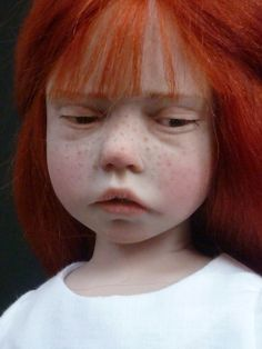 i just love the expressions on these dolls....so realistic....amazing. The hyper-realist artist dolls Laurence Ruet.