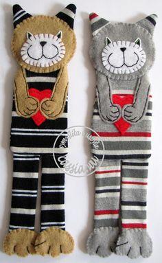 cassia.wu Sock Toys, Cat Quilt, Kawaii Cat, Sock Animals, Cat Doll, Felt Christmas Ornaments, Cat Crafts, Felt Fabric, Handmade Toys