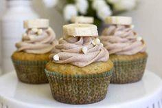 Banana cupcakes with cinnamon honey butter cream | 25 Deliciously Healthy Cupcake Recipes