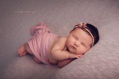 Stúdió újszülött fotózás Studii newborn photography Newborn Photography, Studio, Face, Newborn Baby Photography, Studios, The Face, Faces, Facial, Newborn Photos