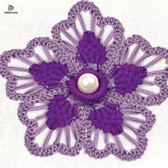 Hand Embroidery Flower Designs, Hand Embroidery Patterns Flowers, Hand Embroidery Projects, Basic Embroidery Stitches, Hand Embroidery Videos, Embroidery Stitches Tutorial, Embroidery Flowers Pattern, Creative Embroidery, Simple Embroidery