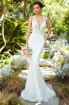Beautiful Embroidered Halter Trumpet Wedding Dress / Bridal Gown with V-Neck Cut, Open Back and a Train by Kitty Chen Couture Wedding Dress Organza, Bridal Dresses, Modest Dresses, Formal Dresses, Communion Dresses, Celebrity Dresses, Bridal Boutique, Occasion Dresses, Bridal Style