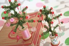 Vintage spools and trees with buttons ♥