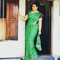 Beautiful Girl Indian, Beautiful Saree, Beautiful Indian Actress, Beautiful Dresses, Marathi Saree, Indian Long Hair Braid, Aunty In Saree, Indian Girls Images, Indian Wife