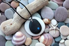 Rock Crafts, Kid Crafts, Plaster Art, Craft Day, Sticks And Stones, Amethyst Geode, Beach Stones, Homemade Jewelry, Pebble Art