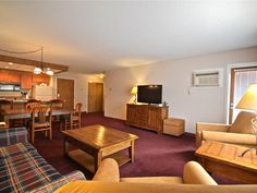 Stay with us near Lake Winnipesaukee in Gilford, New Hampshire. We have suites, traditional rooms, an indoor pool and whirlpool tub and more. Whirlpool Tub, Summer Activities, New Hampshire, State Parks, Indoor, Bed, Room, King, Furniture