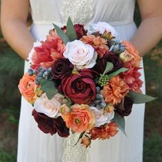 Follow along with Holly's Wedding Flowers and make your very own bouquet with fall flowers from Afloral.com. To begin you will need to collect all of your mater