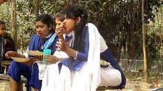 মেয়েদের কি এভাবে খাবার খাওয়া উচিৎ | Whatsapp viral video clip