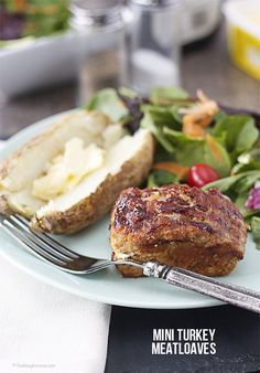 Easy Dinner! Mini Turkey Meatloaves you can have on the table within 45 minutes.  Recipe at www.livelaughrowe.com #meatloaf #dinner
