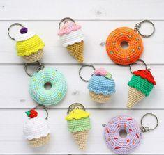 Amigurumi Do Zero Love Crochet, Crochet Earrings, Toys, Minions, Cupcake, General Crafts, Needlepoint, Crocheting, Dressmaking