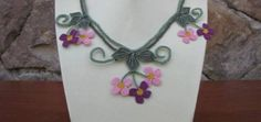 pembe mor çiçekli iğne oyası modern kolye modeli