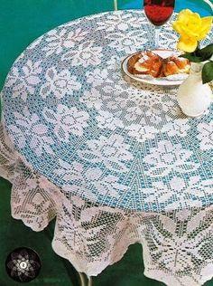 Hobby lavori femminili - ricamo - uncinetto - maglia: copritavolo