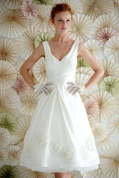 I love tea length dresses. I sort of want to get married in one. Tea Length Dresses, Short Dresses, Bhldn Wedding Dress, Wedding Attire, Anniversary Dress, Vintage Inspired Wedding Dresses, Rehearsal Dinner Dresses, Wedding Inspiration, Wedding Ideas