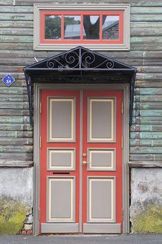 Tallinn, Estonia door     lumo lifestyle
