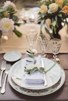 Vintage Floral China Reception Ideas | photography by http://rochellecheever.com