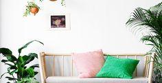 Den gröna trenden blommar verkligen ut i vår. Tropiska växter, kaktusar och hängväxter förvandlar BJÖRKSNÄS soffan i björk till en skön oas att hänga i Oas, Ikea, Inspiration, Biblical Inspiration, Ikea Co, Inspirational, Inhalation