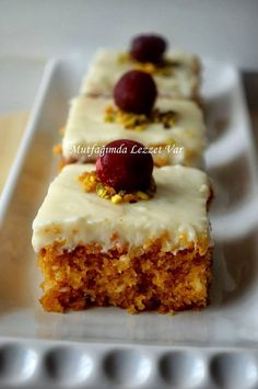 recipe Cyprus Dessert (Galeta Floury Crispy Dessert) How to make a recipe? Author: Flavor in My Kitchen # Kıbrıstatlı of # Şerbetlitatlı on the Delicious Desserts, Dessert Recipes, Yummy Food, Mousse Au Chocolat Torte, Lemon Cheesecake, Muffins, Dessert Bars, Beautiful Cakes, Food To Make