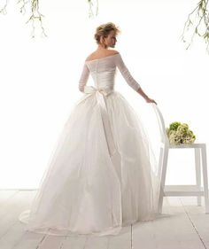 Le spose di Gio 2015 Spring Bridal Collection - Wedding Dresses For Women Organza Wedding Gowns, Bridal Dresses, Tulle Gown, Non Plus Ultra, Bridal And Formal, Elegant Wedding Dress, Wedding Attire, Wedding Decor, Beautiful Gowns