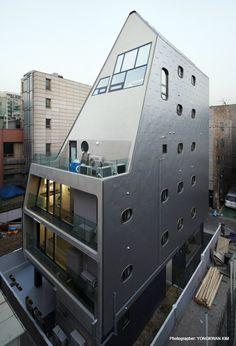 DARAK DARAK neighbourhood living facility Location : 7-8, Ogeum-ro 44ga-gil, Songpa-gu, Seoul, Republic of Korea Use : Multi-family house, Neighbouhood living facility Site Area : 200.30㎡ Building Area : 120.11㎡ Gross floor Area : 396.68㎡ Building scope : 6F Height : 20.9m Structure : RC Design Team :Lee Choong Lyeol / Han Dong Su Structure : KIM & LEE STRUCTURAL CONSULTANT Construction : DA..