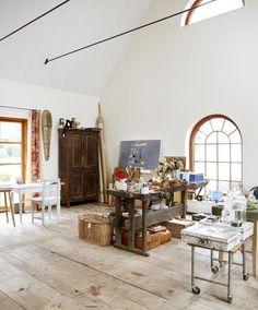 Art Studio Ideas, How to Design Beautiful Small Spaces Expanding Creative Horizons – Creative Home Office Design Studios D'art, Home Art Studios, Art Studio At Home, Studio Room, Studio Spaces, Artist Studios, Dream Studio, Design Studios, Loft Studio