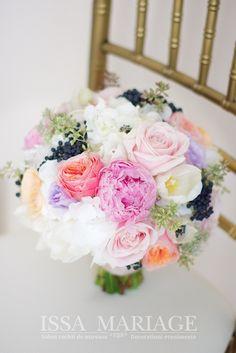 Floral Wreath, Wreaths, Table Decorations, Issa, Home Decor, Floral Crown, Decoration Home, Door Wreaths, Room Decor