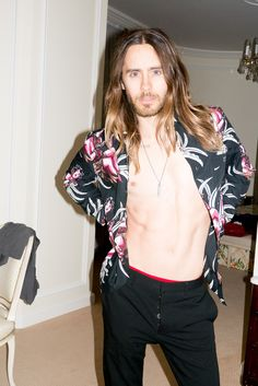Jared Leto in his hotel room #4