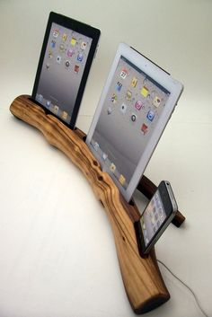 Wood IPad & IPhone Dock