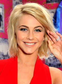 http://images.beautyriot.com/photos/julianne-hough-blonde-wavy-edgy-medium-hairstyle_01.jpg