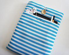 Manchon de Galaxy Tab iPad Pro ipad mini Sleeve iPad par TWIZE Ipad Mini, Accessoires Ipad, Kindle Fire Case, Ipad Pro, Ipad Case, Blue Stripes, Cover, Sleeves, Etsy
