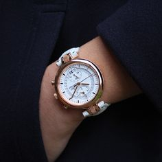 Number 8 Chronographe Or Rose par Louis Chevrolet Swiss Watches Or Rose, Rose Gold, Number 8, Never Give Up, Michael Kors Watch, Bracelet, Accessories, Women, Bangle