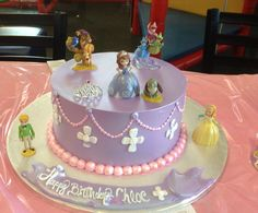 Sofia the first cake from El Bolillo