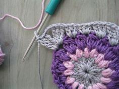Sunburst granny square tutorial @ Eda's crochet room