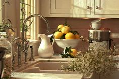 Farmhouse sink and gooseneck faucet